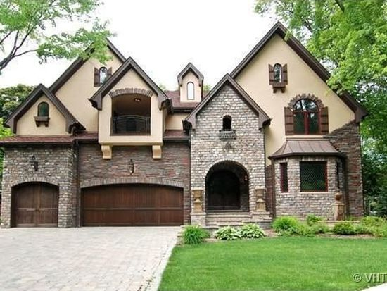 720 Willow Rd, Naperville, IL 60540