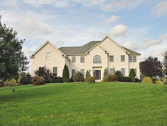 22 Hampshire Dr, Warminster, PA 18974