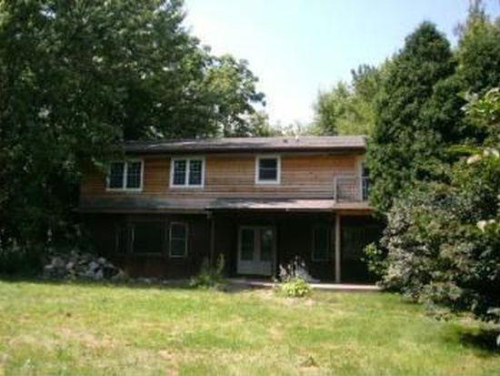 2319 Walkup Rd, Crystal Lake, IL 60012