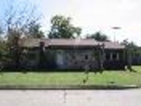 5832 NW 46th St, Warr Acres, OK 73122