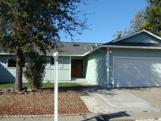 4997 Underwood Dr, Santa Rosa, CA 95409