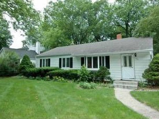 388 Hampshire Ln, Village Of Lakewood, IL 60014