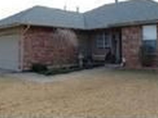 1901 New Haven Ct, Moore, OK 73160