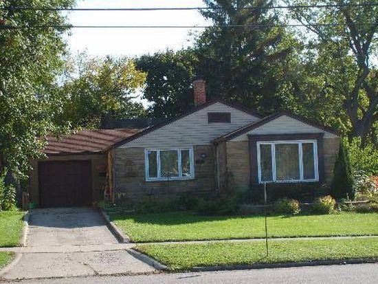 439 W Judd St, Woodstock, IL 60098