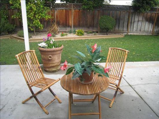 72 Roosevelt Cir, Palo Alto, CA 94306