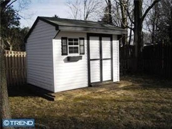 201 Share Dr, Morrisville, PA 19067