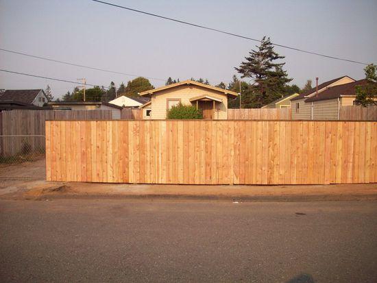 1353 Hoover St, Eureka, CA 95501