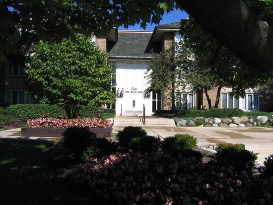 1 Oak Brook Club Dr # B108, Oak Brook, IL 60523