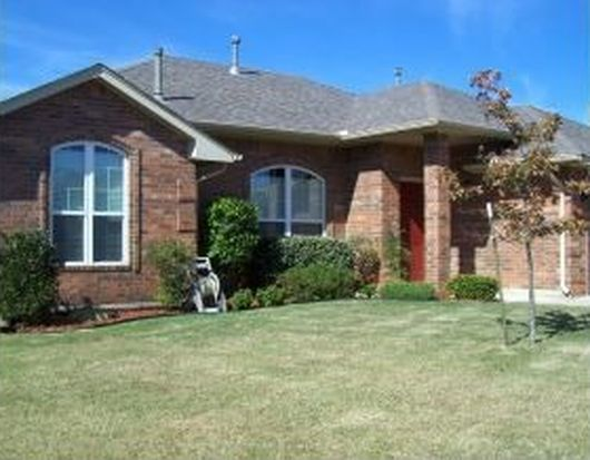 4113 Green Apple Dr, Moore, OK 73160