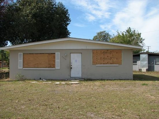 2710 Elmwood St, Fort Myers, FL 33901