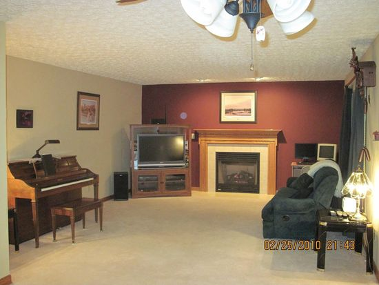1341 Great Hunter Dr, Grove City, OH 43123