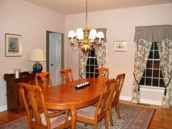 53 Constance St, Bedford, NH 03110
