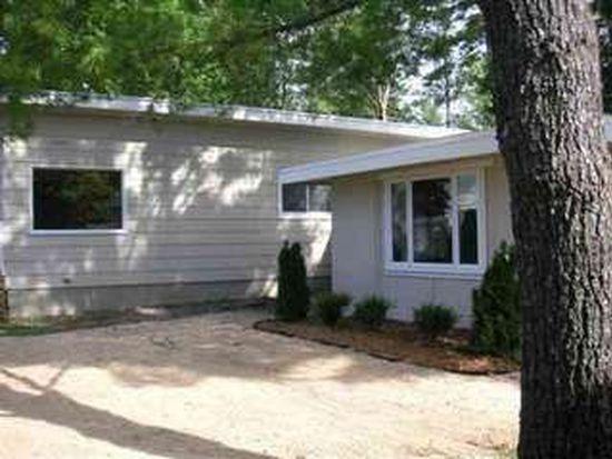 1952 Pine Dr, Traverse City, MI 49686