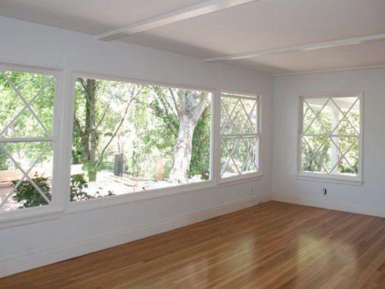 20020 Oxnard St, Woodland Hills, CA 91367