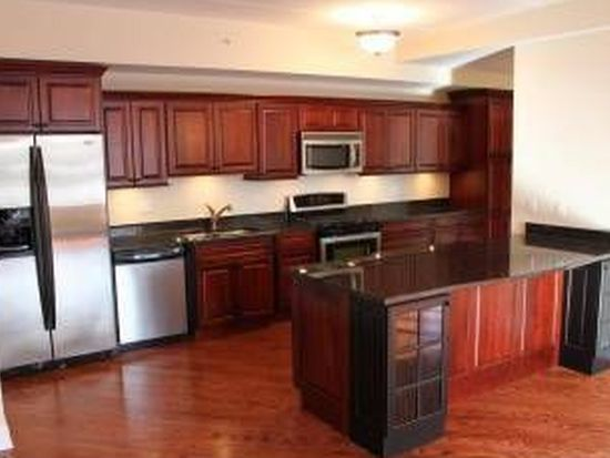 417 N Cass Ave APT 2A, Westmont, IL 60559