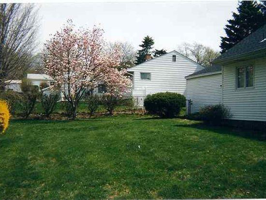 3 Buttercup Ln, Albany, NY 12211