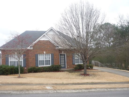581 Clearview Rd, Hoover, AL 35226