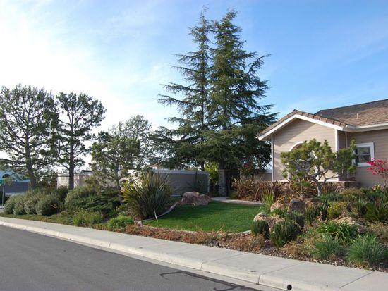 2045 Oak Glen Dr, Vista, CA 92081