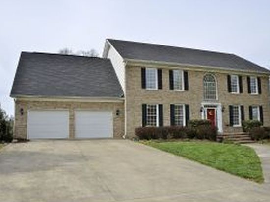 1002 Lake Ridge Sq, Johnson City, TN 37601