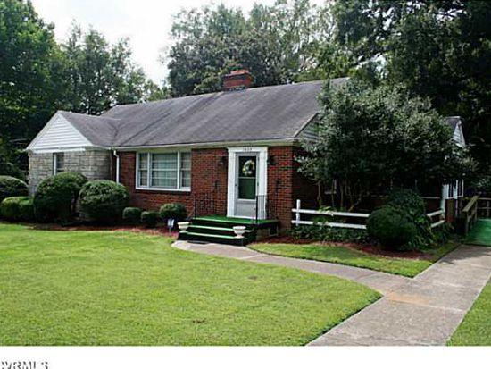 1002 Blackstone Ave, Hopewell, VA 23860