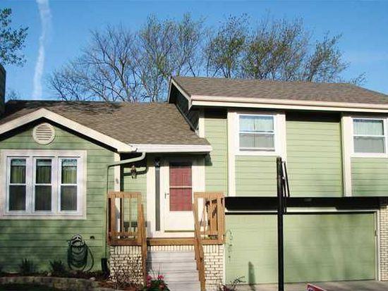 7082 Hickory Ln, Urbandale, IA 50322