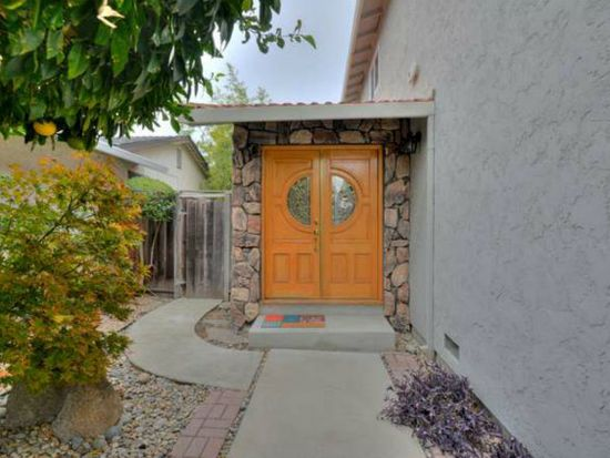 601 Camino Dr, Santa Clara, CA 95050