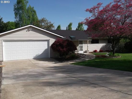 23085 SE Naomi Ct, Damascus, OR 97089