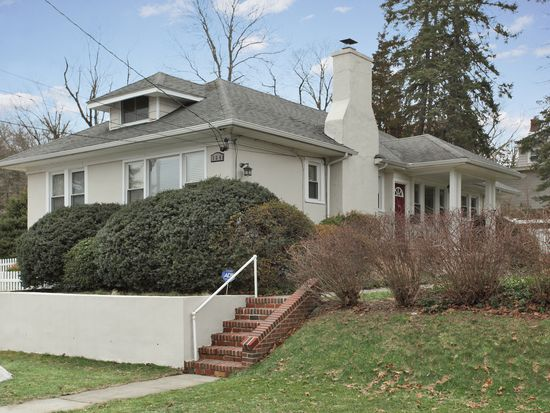 164 Columbia Ave, Hartsdale, NY 10530