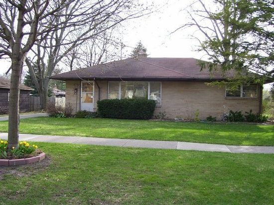 226 Comstock Blvd NE, Grand Rapids, MI 49505