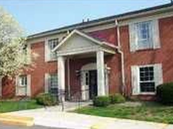 7450 Lions Head Dr, Indianapolis, IN 46260