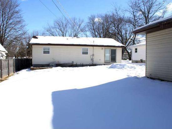 1709 Beach Rd, Mchenry, IL 60050