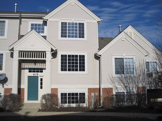 635 Cary Woods Cir, Cary, IL 60013