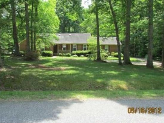 9111 Berry Patch Dr, Chesterfield, VA 23832