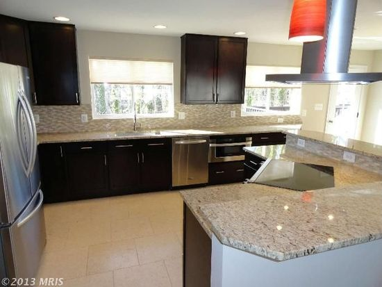 2988 Valley View Rd, Annapolis, MD 21401