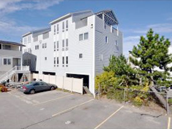 35 Ashworth Ave, Hampton, NH 03842