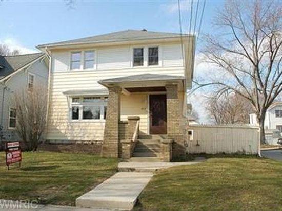 813 Webster St NW, Grand Rapids, MI 49504
