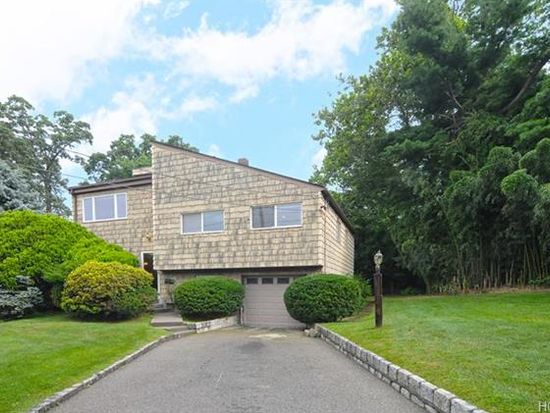 8 High Rd, Montrose, NY 10548