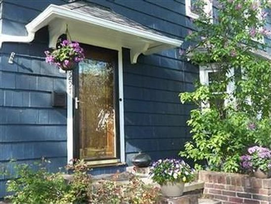 3297 Dellwood Rd, Cleveland Heights, OH 44118