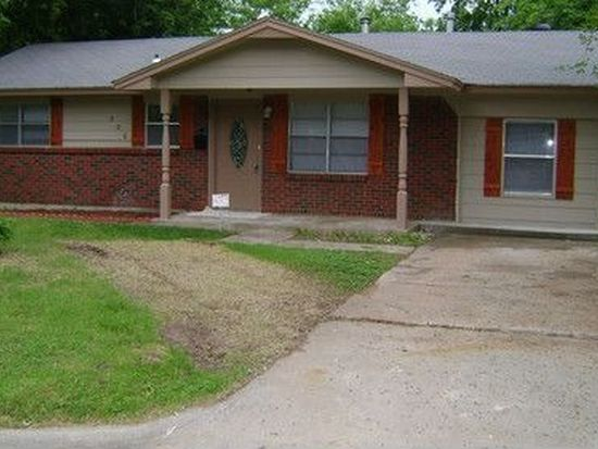 606 Armstrong St, Moore, OK 73160