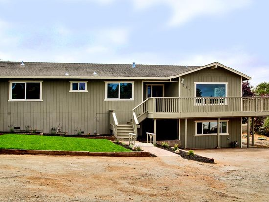 271 Treichel Ln, Watsonville, CA 95076