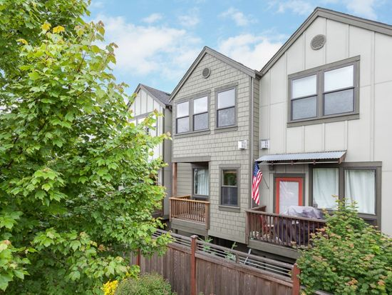 11705 Greenwood Ave N APT B, Seattle, WA 98133