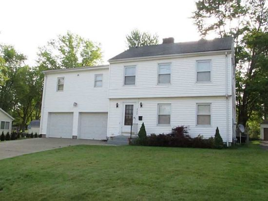 922 Bechtol Ave, Sharon, PA 16146
