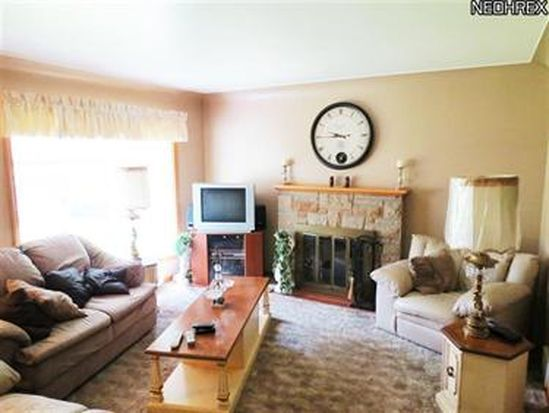 410 Colonial Dr, Youngstown, OH 44505