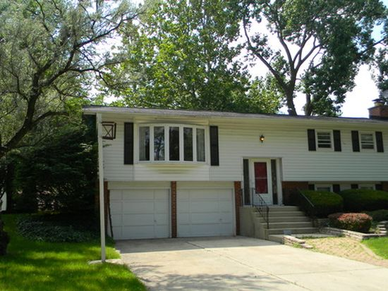 6836 Valley View Dr, Downers Grove, IL 60516