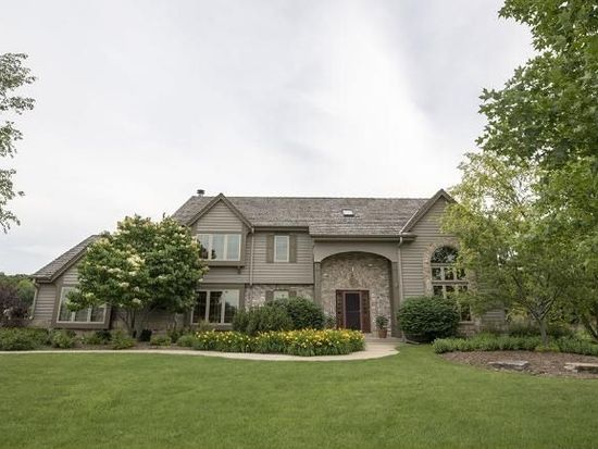 1290 Weston Hills Ct, Brookfield, WI 53045