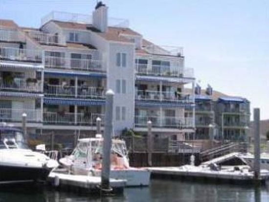 31 Coddington Wharf APT 26, Newport, RI 02840