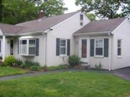 195 Frost St, Fall River, MA 02721