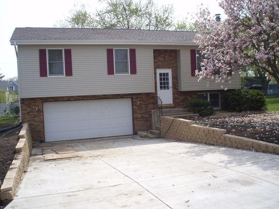 5806 Greenview Rd, Oakwood Hills, IL 60013
