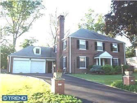 1614 Hillcrest Rd, Laverock, PA 19038