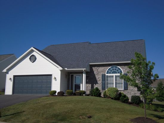 106 Day Lily Dr, Sinking Spring, PA 19608